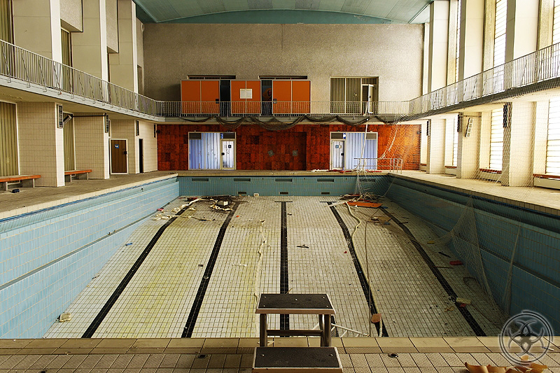 Hamborner stadtbad lost for Schwimmbad bad rothenfelde